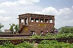 Indie - železniční stanice ve vesnici Banskho
