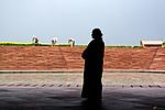 Indie - Žena pod Lotosovým chrámem
