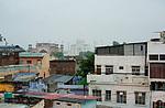 Indie - Pohled ze střechy hotelu na Agru a Taj Mahal