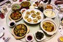 Stůl s jídlem