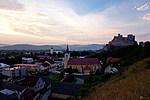 Beckov - pohled na vesnici při západu slunce